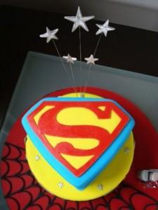 Superman Birthday Cupcakes1