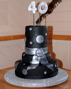 40th Birthday Cake - Fabulous cake