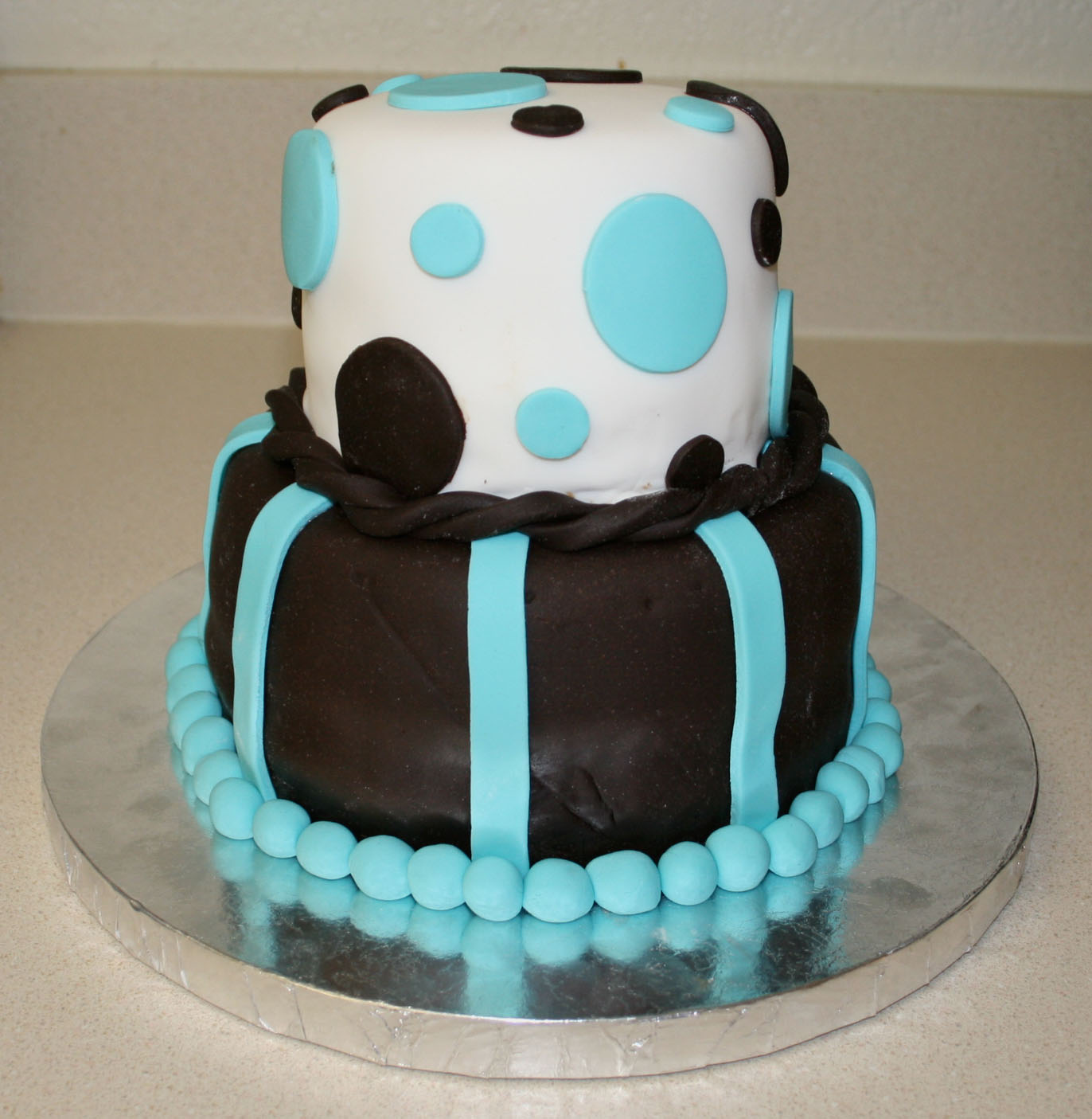 fondant birthday cakes images