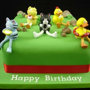 Fun animal shaped birthday cakes