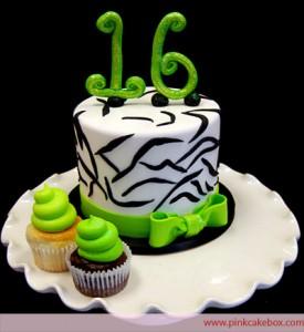 Green Sweet 16 Birthday Cakes