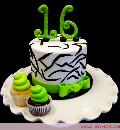 Green Sweet 16 Birthday Cakes